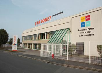 Agence Pasquet Menuiseries Les Essarts le Roi 78 extérieur