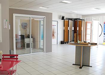 Agence Pasquet Menuiseries Angers 49 intérieur baies vitrée et fenêtres