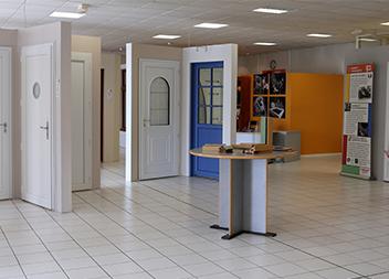 Agence Pasquet Menuiseries Angers 49 intérieur portes d'entrée