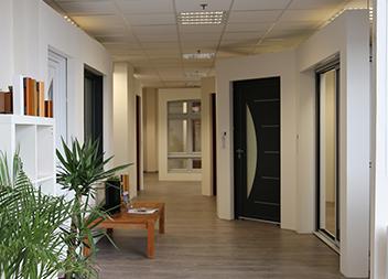 Agence Pasquet Menuiseries Le Thillay 95 portes d'entrée, fenêtres et baies vitrées intérieur