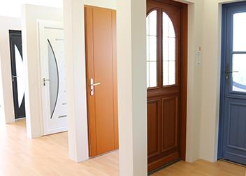 Agence Pasquet Menuiseries Nantes 44 intérieur portes d'entrée
