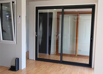 Agence Pasquet Menuiseries Vannes 56 baie vitrée et fenêtre