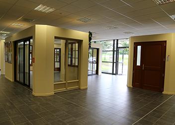 Agence Pasquet Menuiseries Quimper 29 intérieur portes et fenêtres