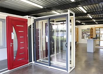 Agence Pasquet Menuiseries Toulouse 31 portes d'entrée et baies vitrées intérieur