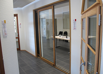 Agence Pasquet Menuiseries Déols 36 intérieur baie vitrée et fenêtre