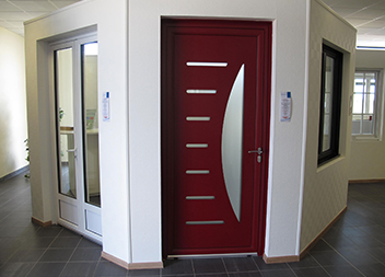 Agence Pasquet Menuiseries Déols 36 intérieur porte d'entrée et porte-fenêtre