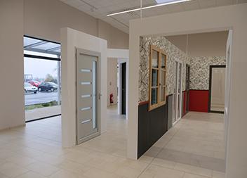 Salle expo Pasquet Menuiseries Vitré Portes et baies vitrées